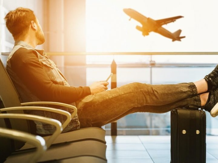 How to travel comfortably by airplane, car, train and motorcycle